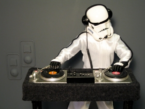 DJ-Trooper-detail